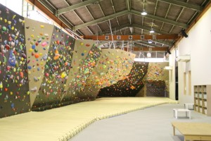 bouldering-navi-gym-R-and-F