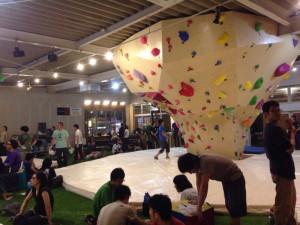 bouldering-navi-gym-sunny-rock-fuji1